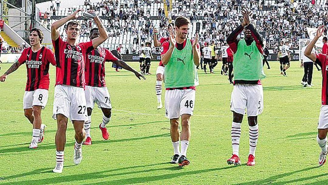 L'esultanza del Milan a La Spezia.